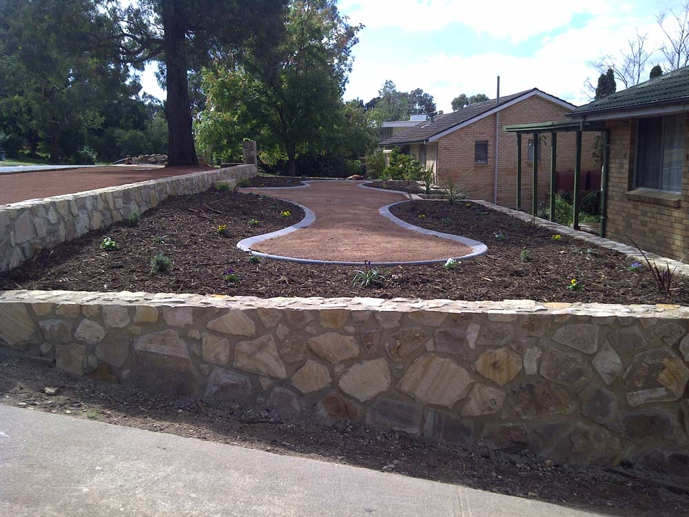 Landscaping canberra mastro 5 design building group for Landscape design canberra